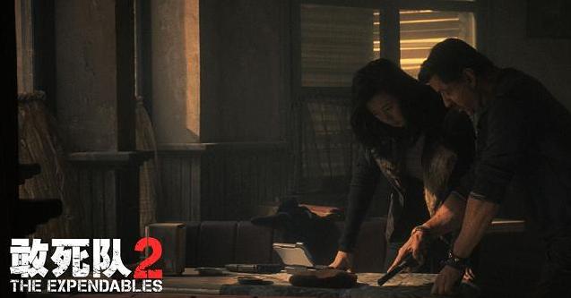 敢死队2女主角是谁_杰森斯坦森,布鲁斯·威利斯等好莱坞动作明星主演的《敢死队2》